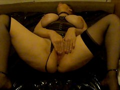 UK MILF Solo Squirt