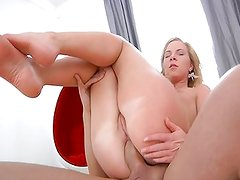 Squirting Suzie is being so anal