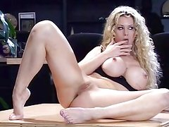 Blonde bombshell blowing pole