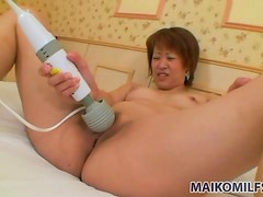 Hardcore Japanese sex with creampie in her cunt