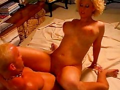 Blondes pussy satisfied to completion