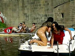 EXHIBITIONIST WETLOOK BOAT BABES