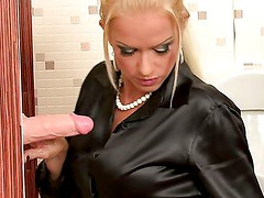 BLOND BIMBO TITTIES BLASTED WITH CUM / STACY SILVER, BIANCA