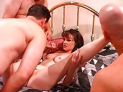 Veronica Snow can satisfy more guys at once