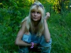 Wierd situation outdoor with pissing