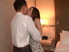 Kinky Japanese babe gets a load of cum in her mouth