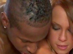 Wife tempts her man under the shower