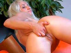 Hot blonde likes to get nasty
