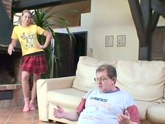 Messy blond amateur gives a had to aroused grey-haired daddy