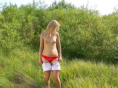 Insatiable blonde whore gives fantastic blowjob outdoors