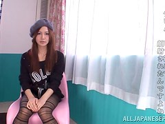 Kinky Japanese teen starts the blowjob with a kiss