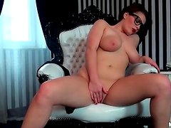 Going down on sexy girl in lipstick and glasses