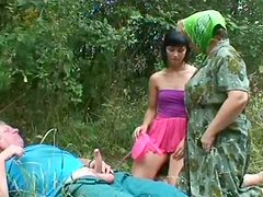 Spoiled mature and sextractive milf give blowjob to horny daddy in FFM sex clip