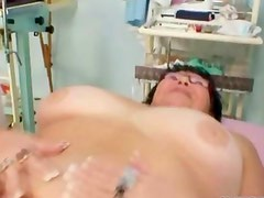 Nasty amateur housewife gets her wet