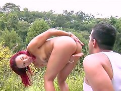 Redhead sunburned tramp gives some head outdoors