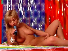 Slender curvy tanned blondie Anita wanna polish her cunt with a dildo