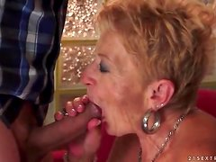 Granny cocksucker fucked in wet old pussy