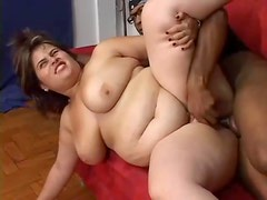 He fucks chunky chick and jizzes on her