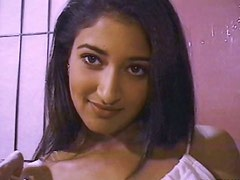 Captivating Indian babe plays with her hairy coochie