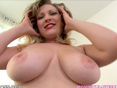 Blonde with Awesome Big Tits Vicky Vixen Gives Excellent Blowjob