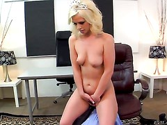 Tom Byron stretches unthinkably hot Tara Lynn Foxxs hole