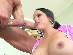 Diamond Kitty loves getting her lovely face cum sprayed