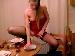 Brown haired skank in stockings takes a piss in her meal plate