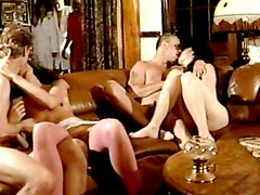 Viejo - Babes fucking in vintage group session