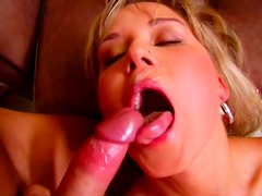 Messy blond hoe gets anal fucked in reverse cowgirl style