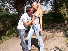 Pussy licking porn video featuring blond girl Dolly