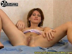Pussy eating gets her wet for dildo sex