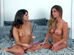 Aspen Rae takes off her bra and shows her small
