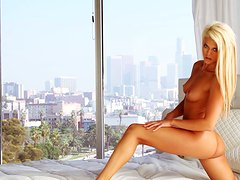The charms of Annette White lure your hand in your pants
