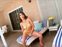 Dana DeArmond gets mouth-fucked in 69 position in the yard
