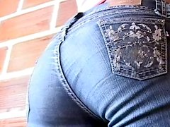 Teen Latina shows her ass while wearing jeans