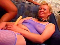 Mature blonde gets her snatch blasted in gangbang