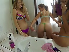 3 Young hot girls showing-off