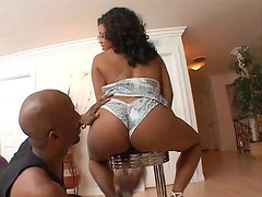 Bootylicious ebony whore with big tits gets her fat ass worshipped