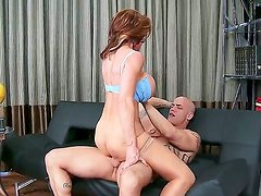 Horny mature hottie Deauxma loves to lick and kiss a