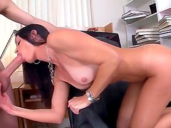 Seductive MILF India Summer munches on a massive boner