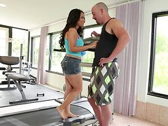 Chubby Asian girl Jessica Bangcock enjoys sucking a cock in a gym