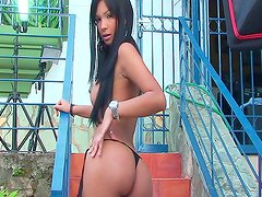 Karla Spice posing in outdoor