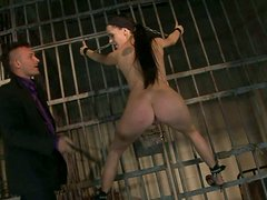 Spoiled bimbo gets her juicy pussy eaten in prison cell