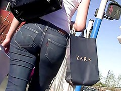 Jeans ass in france
