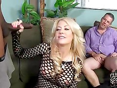 Mature mom go black in front of cuckold