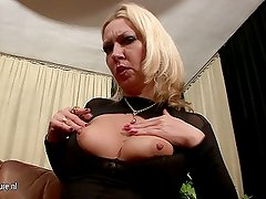 Old but still hot mother and her hungry vagina