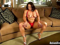 Aziani Iron Brandi Mae female bodybuilder with huge clit
