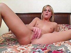 Courtney Wants You To JERK IT OFF!