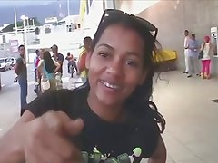 Picking up dominican girls off the street on Toticos.com