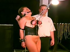 He ties up her tits to make them hurt